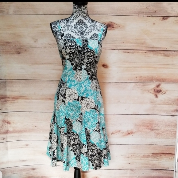 madison leigh Dresses & Skirts - Madison Leigh Floral Summer Dress size 10